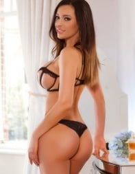 Magda is a top Girlfriend experience escort available in central London.